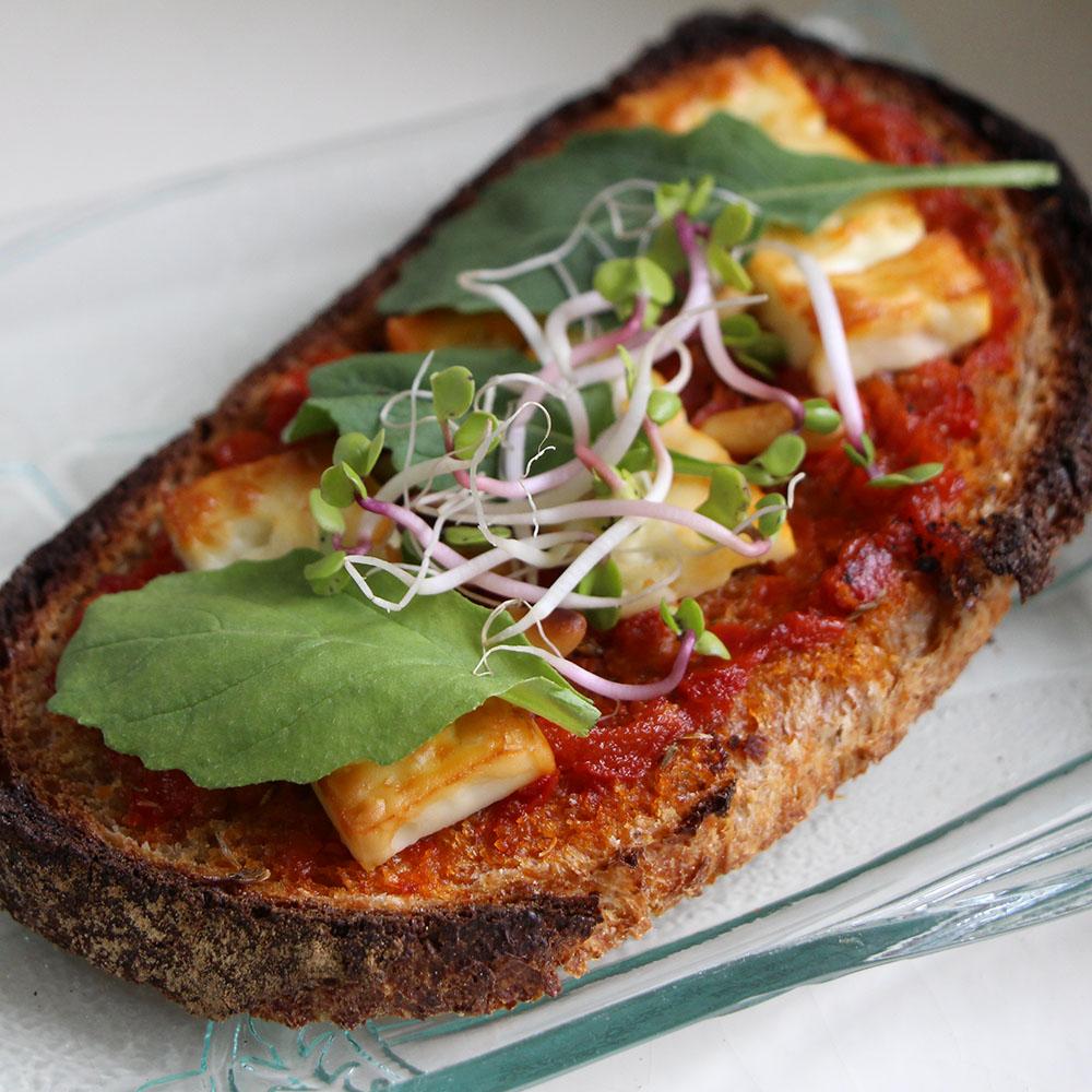 Apero Style #5 Bruschetta feta et compoté de poivron Ajvar