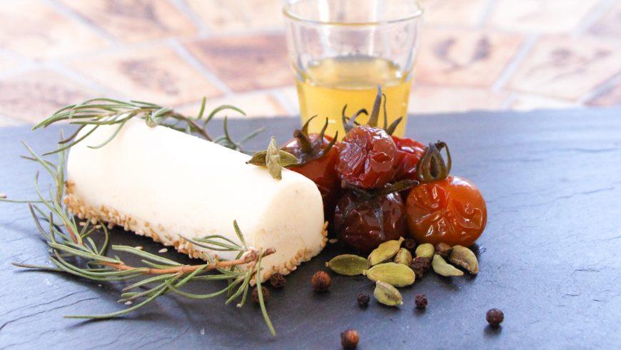 Cheesecake aux tomates confites, romarin et miel